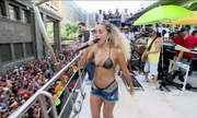 Anitta comanda o Bloco das Poderosas, no Rio