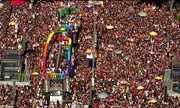 Multidão toma as ruas de São Paulo em defesa dos direitos LGBT