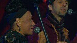 "Zeca Baleiro canta ""Só Vendo que Beleza (Marambaia)"" com Omara Portuondo no Lupaluna 2012"