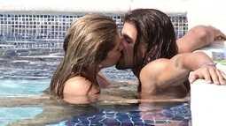 Fani troca beijos com argentino na piscina e pede que ele fique mais
