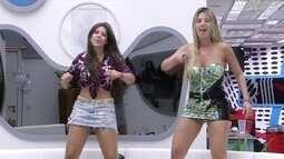 Fernanda e Andressa dançam 'Celebration' em cima do sofá