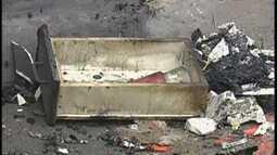 Incêndio atinge paredes e forro de casa noturna em Bauru