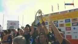 Festa do Barcelona campeão no Mundialito de clubes de futebol de areia