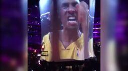 Alison vai a Los Angeles conferir uma das últimas partidas de Kobe Bryant