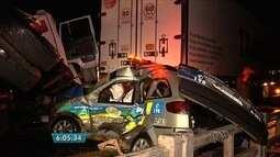 Nove pessoas ficam feridas em acidente com carro da PRE e mais nove veículos, em Goiás
