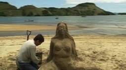 "Primeiro capítulo da novela ""Mulheres de Areia"""