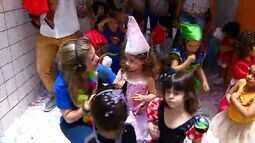 Crianças aproveitam a folia em Aracaju