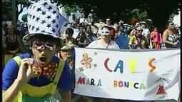 Bloco Maria Boneca inicia festa de carnaval em Uberaba