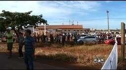 Moradores protestam durante dez horas pedindo por mais segurança, em Goiás