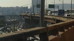 Motoristas enfrentam horas de congestionamentos para o Centro e a Zona Portuária
