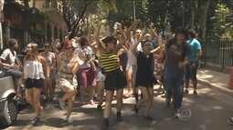Segunda-feira (8) de festa para foliões que curtiram o carnaval de rua em São Paulo
