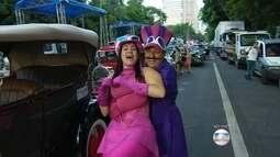 Avenida Afonso Pena tem desfile na noite desta segunda-feira