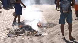 Protesto atrasa saída de trios elétricos no circuito Barra-Ondina