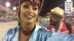 Aline Riscado chega na Sapucaí para desfilar pela Vila Isabel