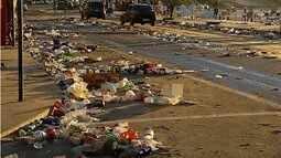 Foliões deixam quase 180 t de lixo na orla da Praia do Forte de Cabo Frio
