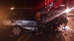 Carros batem de frente, dois morrem e seis ficam feridos em Birigui