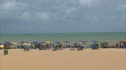 Muita gente aproveitou na praia a terça-feira de Carnaval