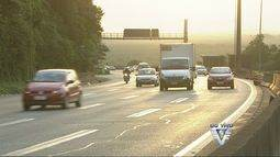 Rodovia dos Imigrantes amanhece com tráfego intenso