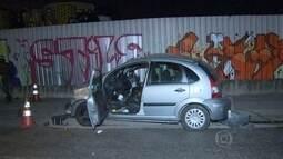 Acidente entre um carro e um ônibus na Via Binário