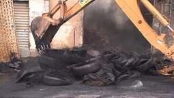 Incêndio destrói borracharia no bairro de Periperi, em Salvador