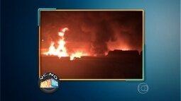 Incêndio destrói galpão em São José da Lapa, na Grande BH