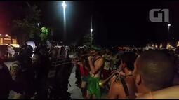 Guardas Municipais reprimem foliões em bloco de carnaval na Praça Mauá