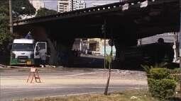 Após acidente com incêndio, Bandeirantes e Viaduto Santo Amaro, em SP, são interditados