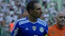 Fernando Prass sai irritado de campo, e Thiago Santos diz que reservas perderam chance