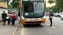 Fiscalização combate transporte clandestino em Volta Redonda, RJ