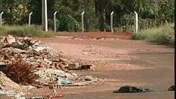Acúmulo de lixo nas ruas preocupa moradores de Uberaba