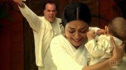Maya é expulsa por Opash após descobrirem que Niraj é um dalit