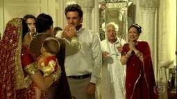 Raj e Maya voltam para a mansão e os Ananda ficam completos novamente