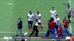 Delegações de Bahia e Santa Cruz se envolvem em confusão após partida