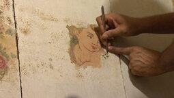 Em Mariana, equipe restaura pinturas originais na Igreja Nossa Senhora do Rosário
