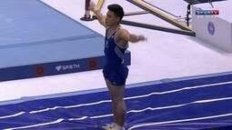 Sérgio Sasaki faz apresentação no salto e fica com 14.675