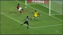 Em jogo com pouca emoção, Ceará perde em casa para o Atlético-GO