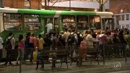 Motoristas de ônibus retornam ao trabalho e greve está suspensa