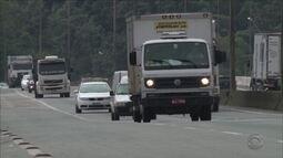 Feriadão tem aumento no fluxo de veículos nas rodovias de SC