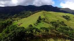 Equipe escala Pico do Marinzinho