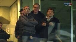 Comentaristas analisam a vitória do Palmeiras, sob olhares de representantes do Barça