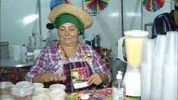 Barracas com comidas típicos das festas juninas fazem sucesso no Arraiá da Capital