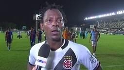 Andrezinho diz que Vasco tem que melhorar e pede tranquilidade ao time