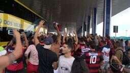 Torcida rubro negra recebe Flamengo em Vitória