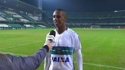 Iago lembra pancada durante o jogo e revela felicidade em jogar um Atletiba