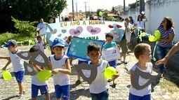 Alunos participam de caminhada pela paz em Natal
