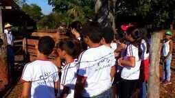 Estudantes visitam produção de leite em Tangará da Serra