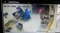 Criminosos invadem salão e roubam clientes em Palmas