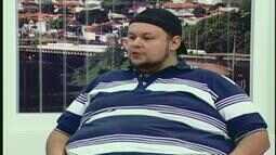 Comediante Rogério Morgado faz apresentação de stand up comedy em Uberlândia