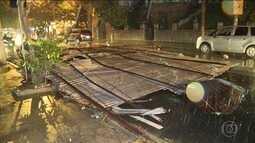 Rajadas de vento provocam estragos no Rio