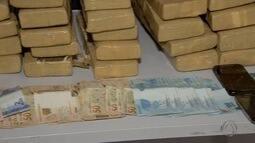 Polícia apresenta dupla suspeita de tráfico de drogas em Campo Grande